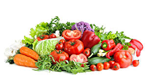 Картинки Овощи Морковь Томаты Перец Белым фоном Еда