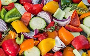 Фото Овощи Вблизи Лук репчатый Перец овощной Нарезка Пища