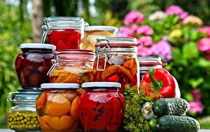 Фотография Овощи Фрукты Огурцы Перец Банке Пища
