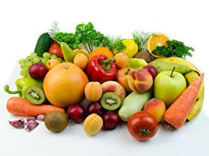 Картинка Овощи Фрукты Яблоки Цитрусовые Сливы Перец овощной Персики Белом фоне Продукты питания
