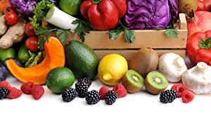 Обои для рабочего стола Овощи Фрукты Ежевика Киви Лимоны Авокадо Грибы Малина Лайм Белом фоне Пища