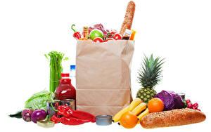 Картинка Овощи Фрукты Хлеб Апельсин Лук репчатый Перец овощной Белом фоне Бумажный пакет Бутылки Покупка Пища