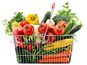 Картинка Овощи Фрукты Кукуруза Томаты Морковка Белый Корзины Продукты питания
