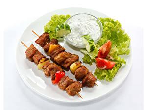 Фотографии Овощи Мясные продукты Шашлык Белом фоне Тарелке Продукты питания
