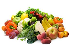 Картинка Овощи Перец Яблоки Сливы Фрукты Белый фон Продукты питания