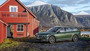 Фото Volkswagen Зеленая Металлик 2019 Passat Alltrack Worldwide Авто