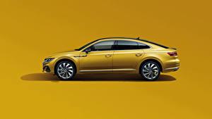 Фотография Volkswagen Металлик Сбоку Цветной фон Желтый CC 380 TSI R-Line, China, 2020 машины