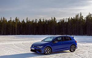 Картинка Volkswagen Синие Металлик Универсал Снеге Golf R, Worldwide, 2020 Автомобили