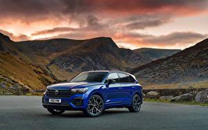 Фото Volkswagen Горы CUV Синяя Металлик Touareg R eHybrid, UK-spec, 2021 Автомобили