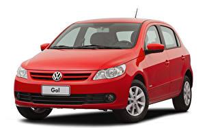 Фото Volkswagen Красная Металлик Белым фоном Gol Trend (V), 2008–12 авто