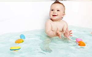 Картинка Вода Грудной ребёнок Смотрят Дети