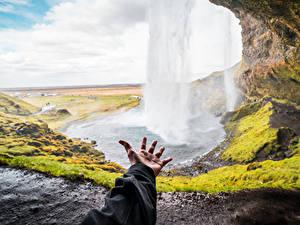 Фото Водопады Исландия Рука Боке Seljalandsfoss, South Iceland Природа