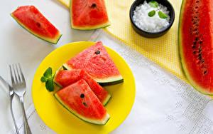 Фото Арбузы Вилка столовая Кусок watermelon slices of watermelon mint leaves Еда