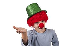 Фото Белый фон Мальчики Клоун Униформа Шляпа Руки Ребёнок