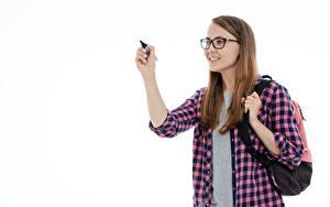 Картинка Белый фон Шатенка Студентки Очки Улыбка Рубашки Рука Девушки
