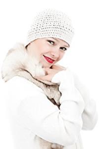 Фотография Белым фоном Смотрит Улыбается Шапка Руки Свитере Девушки