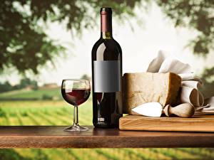 Фотография Вино Сыры Бутылка Бокалы