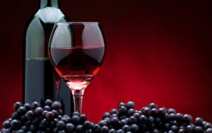 Картинка Вино Виноград Бутылки Бокалы Пища