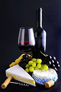 Фотографии Вино Виноград Сыры Бутылки Бокалы Продукты питания