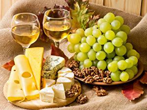 Фотографии Вино Виноград Сыры Орехи Бокал Продукты питания