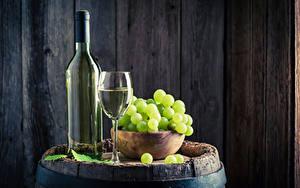 Фото Вино Виноград Доски Бутылка Бокалы