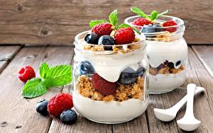 Картинка Йогурт Черника Малина Банка Завтрак Пища