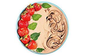 Картинки Йогурт Клубника Шоколад Белом фоне