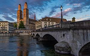 Фотография Цюрих Швейцария Речка Мосты Вечер Уличные фонари Limmat river Города