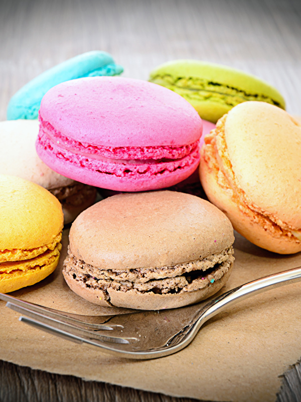 Картинки Макарон Еда вилки Печенье Сладости 600x800 Пища Вилка столовая Продукты питания сладкая еда