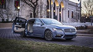 Картинки Lincoln Голубые Металлик Открытая дверь 2019 Continental 80th Anniversary Coach Door Edition Автомобили
