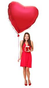 Фото День всех влюблённых Белый фон Воздушный шарик Сердечко Счастье Девушки