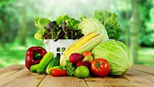 Фото Овощи Огурцы Томаты Капуста Перец Кукуруза Доски Пища