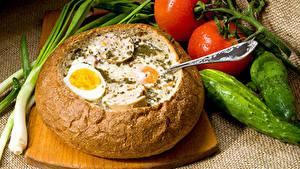 Обои Хлеб Помидоры Огурцы Яйцами Разделочной доске Еда