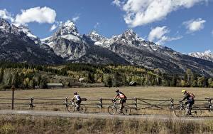 Фото Дороги Мужчины Горы Леса Трава Велосипед Утес Природа