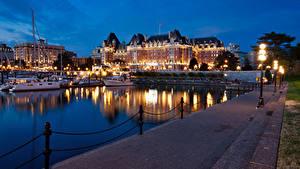 Картинка Канада Здания Речка Пирсы Речные суда Вечер Уличные фонари Victoria Города