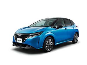 Картинки Nissan Голубая Металлик Белом фоне Note e-POWER, JP-spec (E13), 2020 автомобиль
