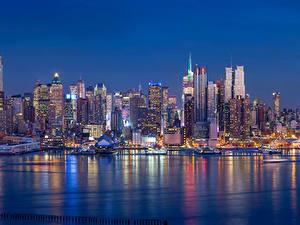 Картинки Штаты Реки Дома Небоскребы Нью-Йорк Ночь Города