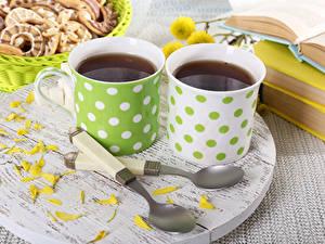 Фото Напитки Чай Чашка Два Лепестки Ложка Продукты питания