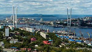 Обои для рабочего стола Россия Дома Река Мост Пристань Vladivostok город
