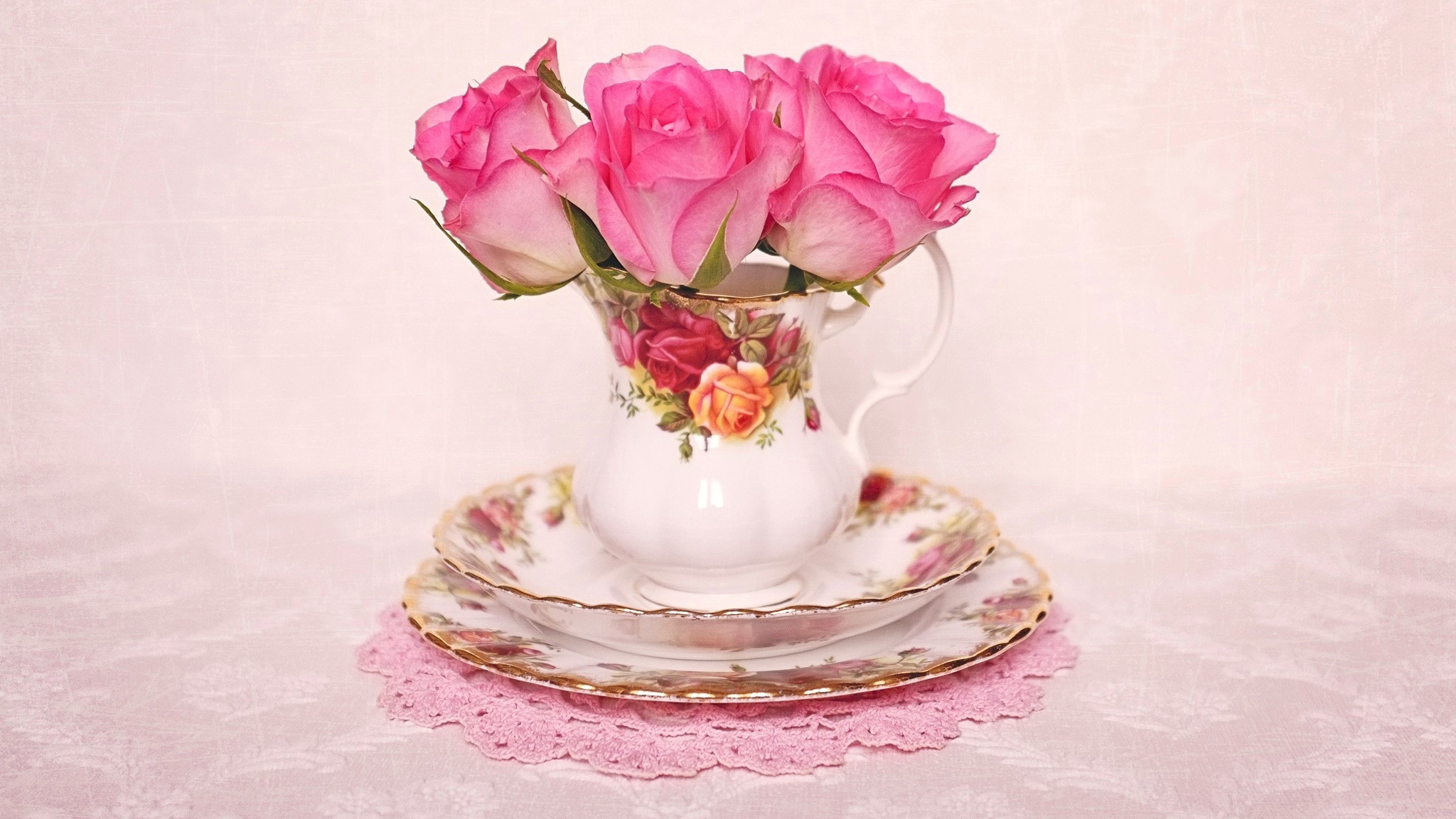 нежные розы в стаканах без смс