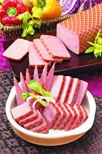 Фотографии Мясные продукты Колбаса Нарезанные продукты Еда