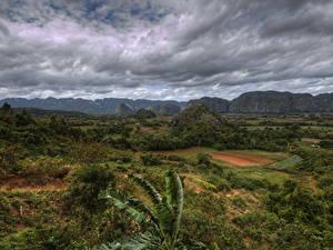 Картинка Куба Небо Горы Поля Облачно Кустов Природа