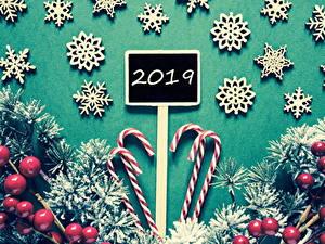 Фото Рождество Ягоды Сладости Леденцы 2019 Ветки Снежинка