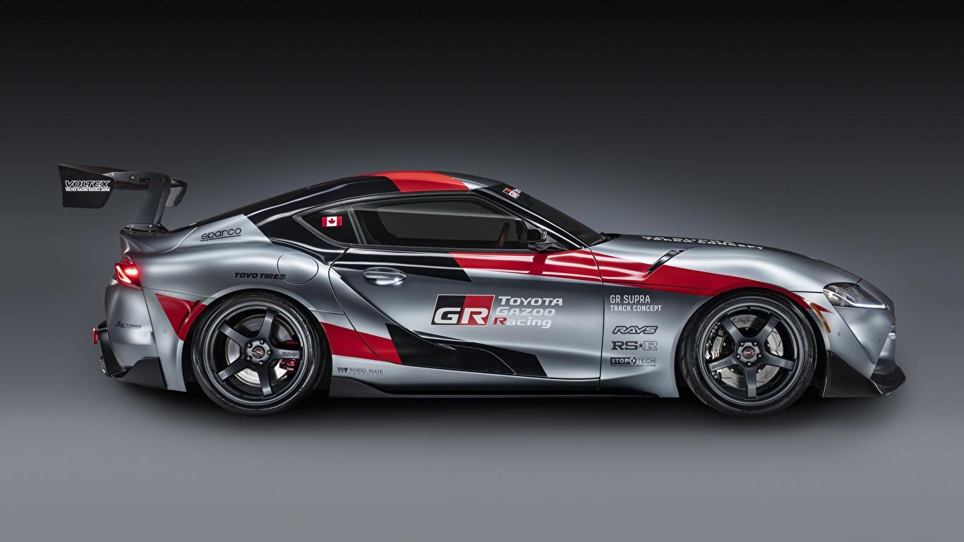 Обои для рабочего стола Тойота GR Supra Track Concept, 2020 Купе Серый авто Сбоку 1366x768 Toyota серая серые машина машины Автомобили автомобиль