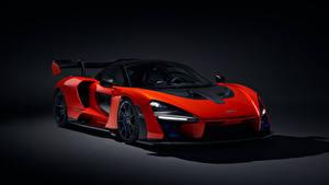 Картинки McLaren Черный фон Красный 2018 Senna (P15) Авто