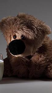 Фото Молоко Плюшевый мишка Часы Печенье Будильник Стакан Еда