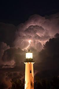 Фотографии Маяки Небо В ночи Молния Облака Природа