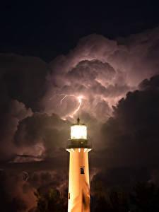 Фотографии Маяк Небо В ночи Молния Облака Природа
