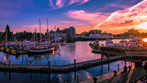 Картинки Канада Рассвет и закат Здания Причалы Корабль Катера Вечер Залива Victoria British Colombia Города