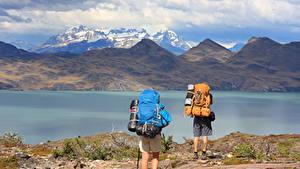 Картинка Чили Гора Озеро Парки 2 Турист Рюкзак South America, Torres Del Paine National Park, Lake Peho